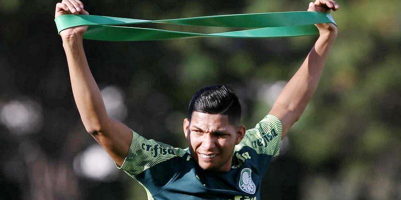 Rony do Palmeiras fica impedido do jogar por quatro meses