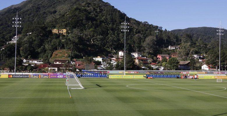 Seleção feminina de futebol se apresenta com mudança no elenco