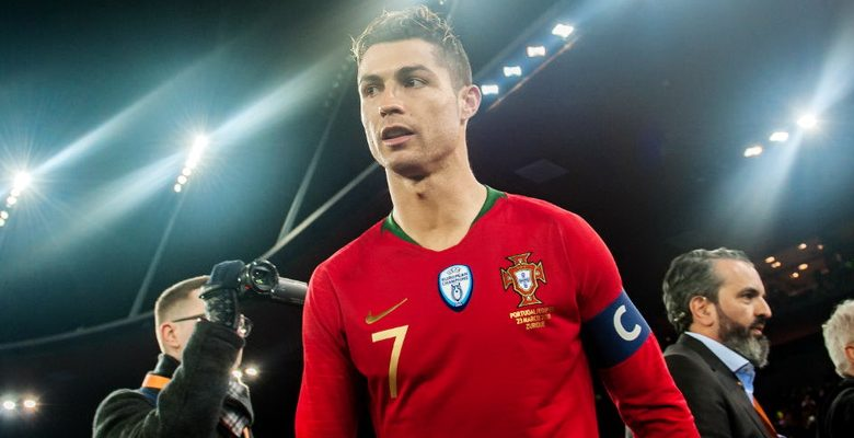 Cristiano Ronaldo testa positivo para covid-19