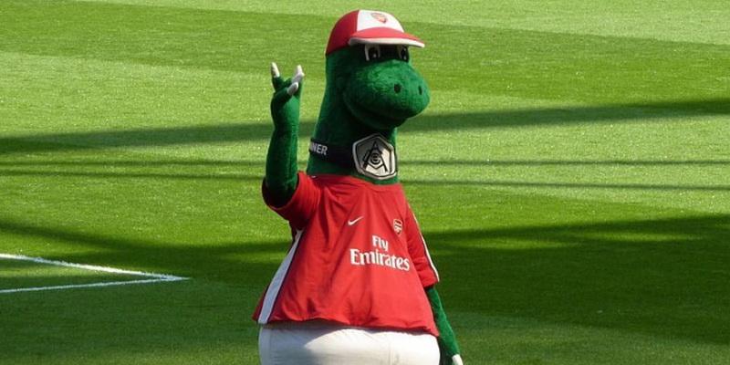 Em redução de custos, Arsenal demite mascote do clube