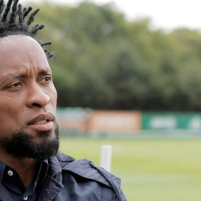 Ex-jogador Zé Roberto diz que VAR diminuiu sua vontade de assistir futebol