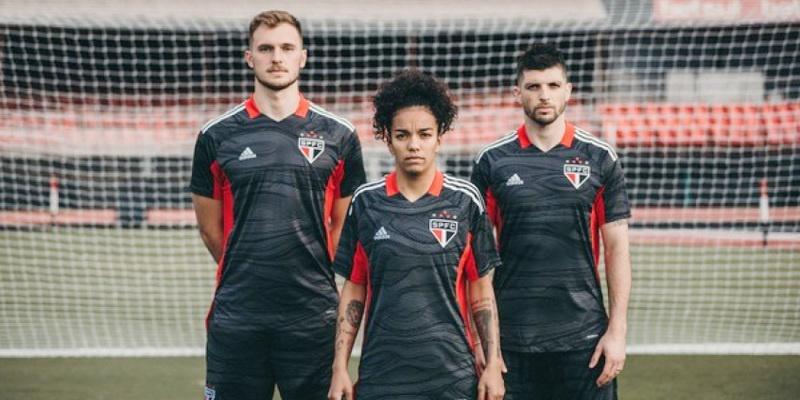 Anos 80: São Paulo lança nova camisa de goleiros