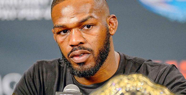 Jon Jones adia estreia no peso-pesado do UFC para 2022